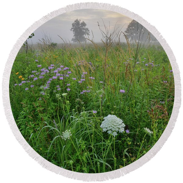 Morning Fog Over Glacial Park Prairie Round Beach Towel