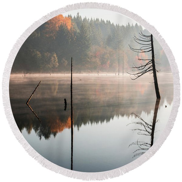 Morning Mist On A Quiet Lake Round Beach Towel