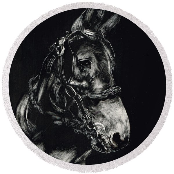 Mule Polly In Black And White Round Beach Towel