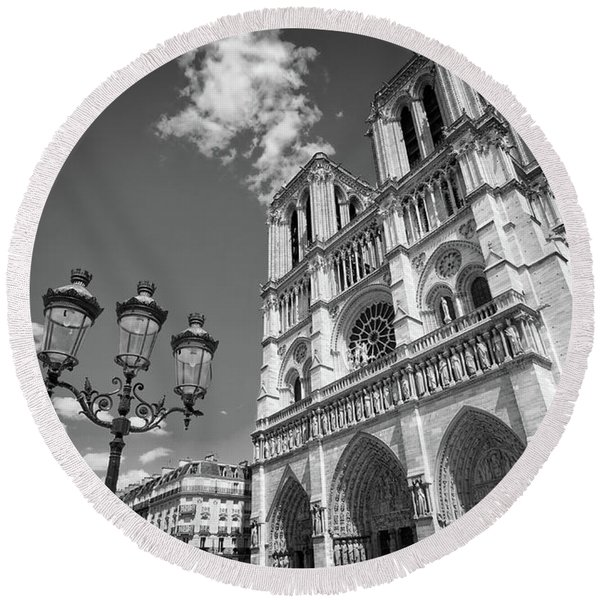 Notre Dame Black And White Round Beach Towel