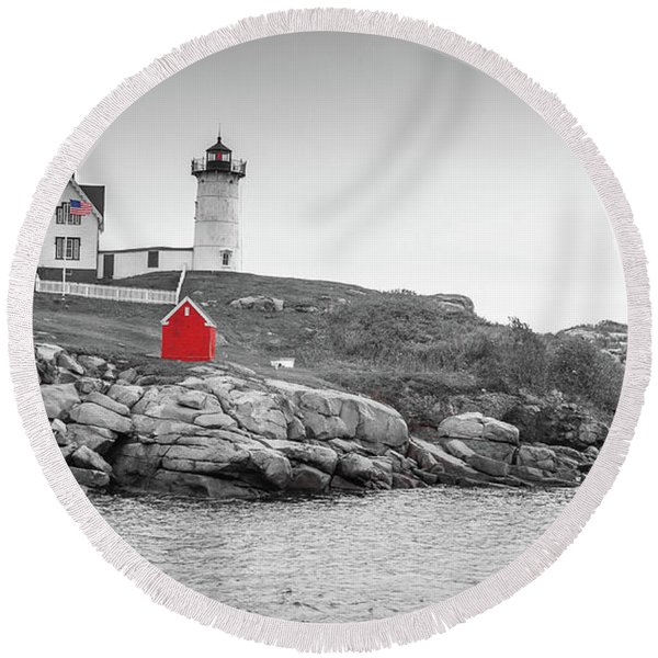 Nubble Lighthouse In Color And Black And White Round Beach Towel