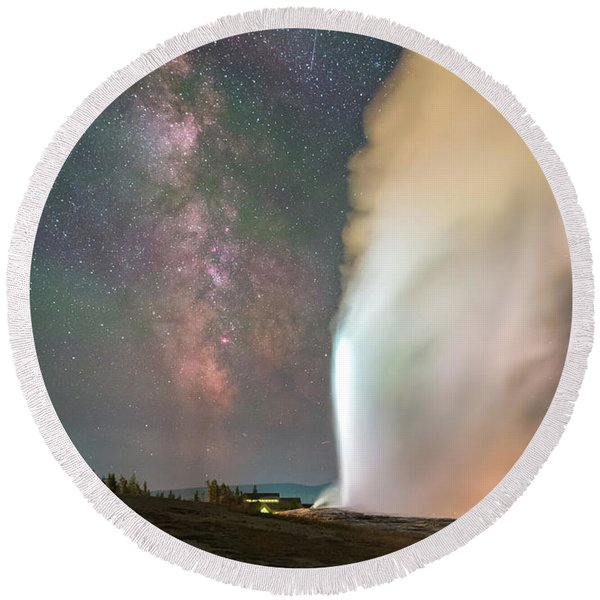 Old Faithful Erupts At Night Round Beach Towel
