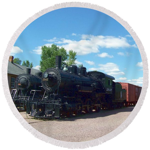 Old Locomotive Round Beach Towel