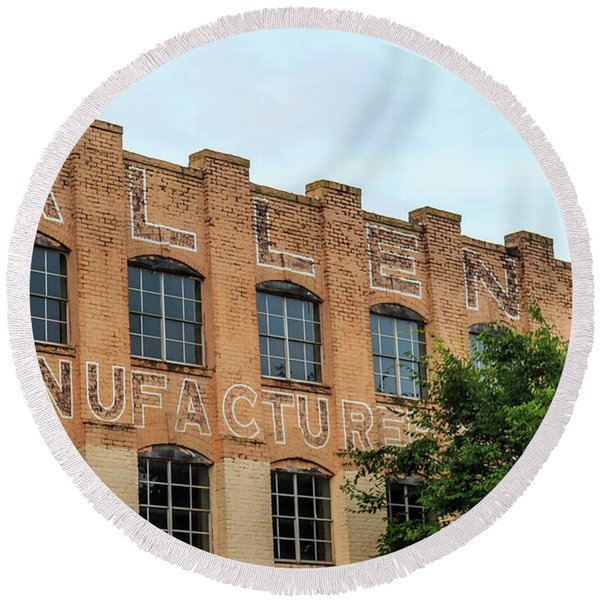 Old Mill Building In Buford Round Beach Towel