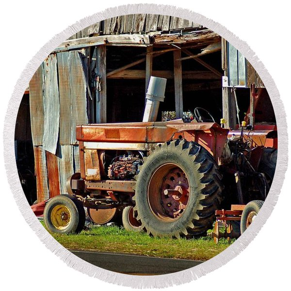 Old Red Tractor And The Barn Round Beach Towel