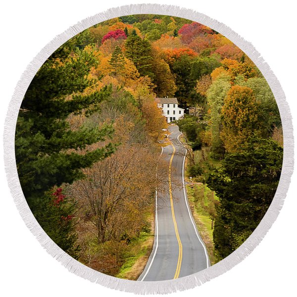 On The Road To New Paltz Round Beach Towel