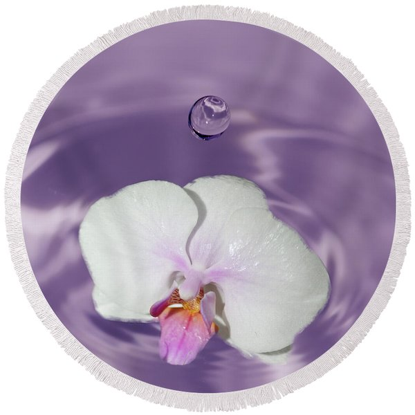 White Orchid Water Drop Round Beach Towel