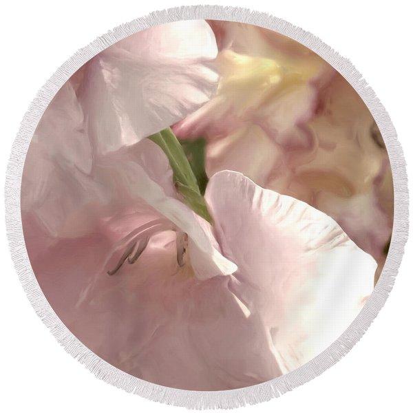 Pale Pink Glads Round Beach Towel