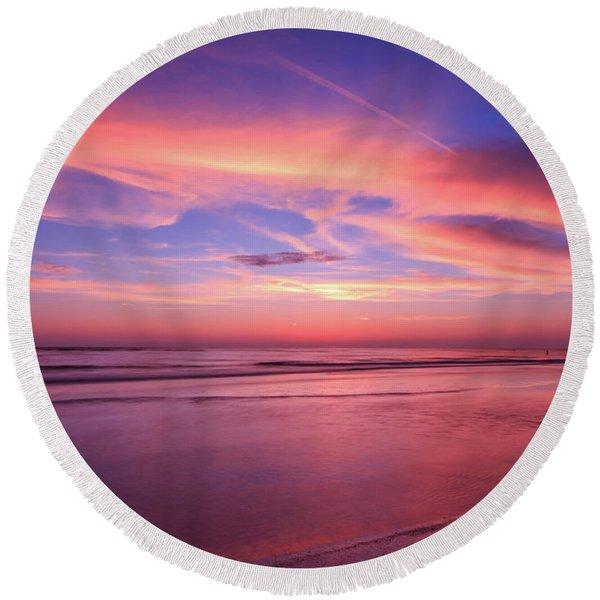Pink Sky And Ocean Round Beach Towel