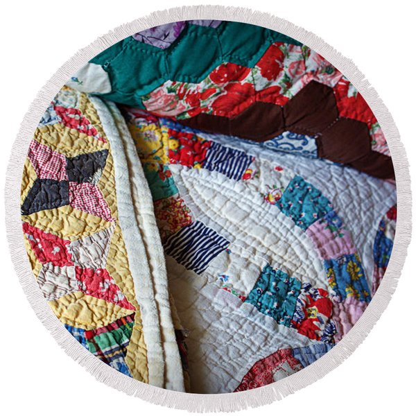 Quilted Comfort Round Beach Towel