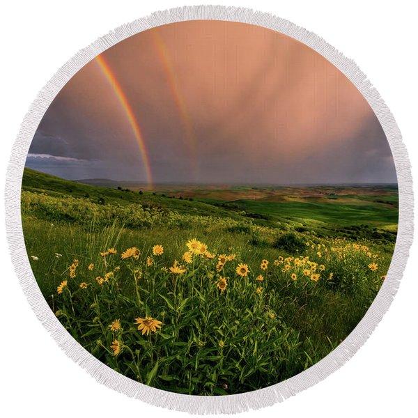 Rainbow At Steptoe Butte Round Beach Towel