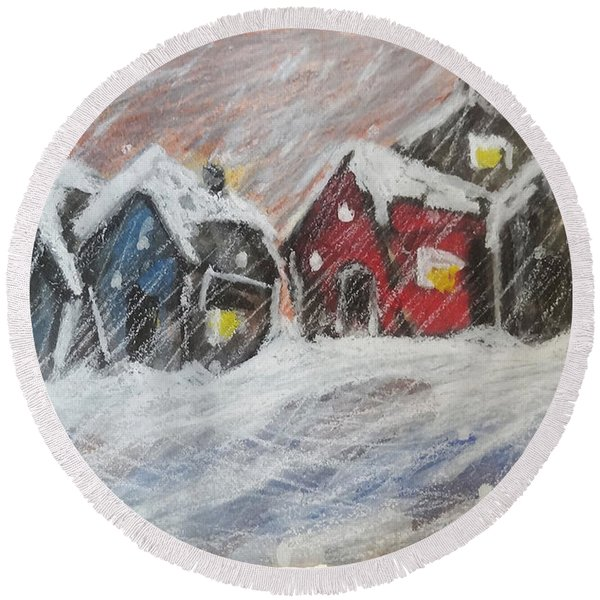 Red House In The Snow Round Beach Towel