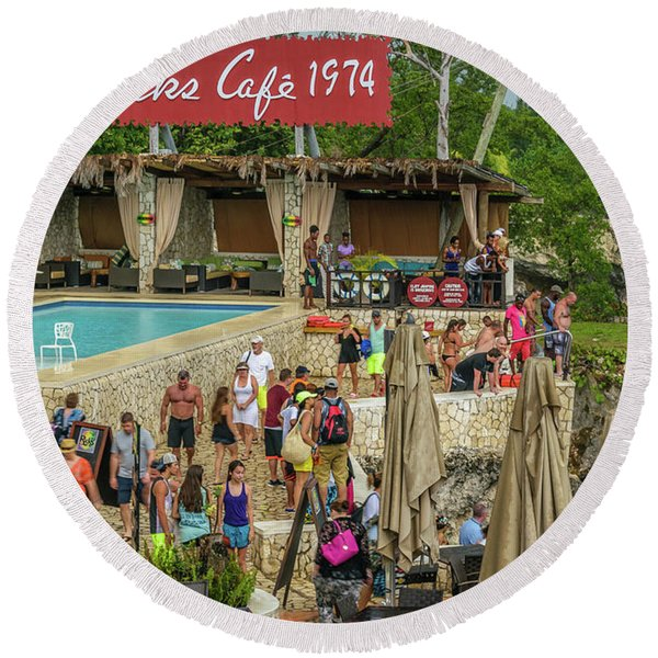 Rick's Cafe In Negril, Jamaica Round Beach Towel