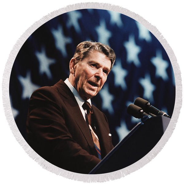 Ronald Reagan Speaking At Congressional Rally - 1986 Round Beach Towel