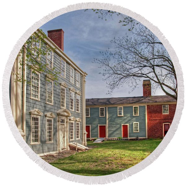 Royall House And Slave Quarters Round Beach Towel