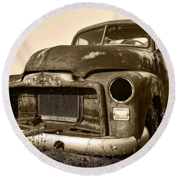 Rusty But Trusty Old Gmc Pickup Truck - Sepia Round Beach Towel