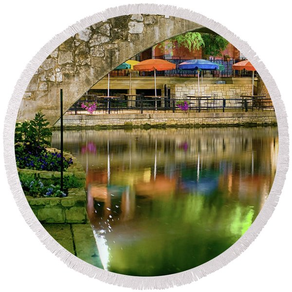 San Antonio River Walk Green Round Beach Towel