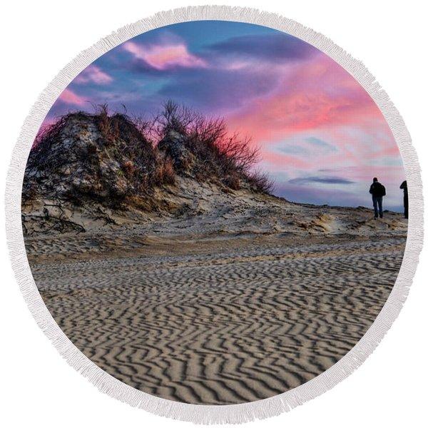 Sand Dunes Of Kitty Hawk Round Beach Towel