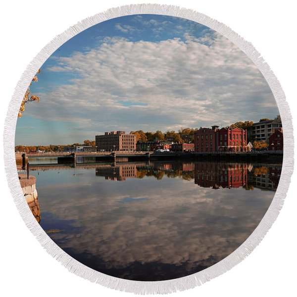 Round Beach Towel featuring the photograph Saugatuck River - Westport by Michael Hope