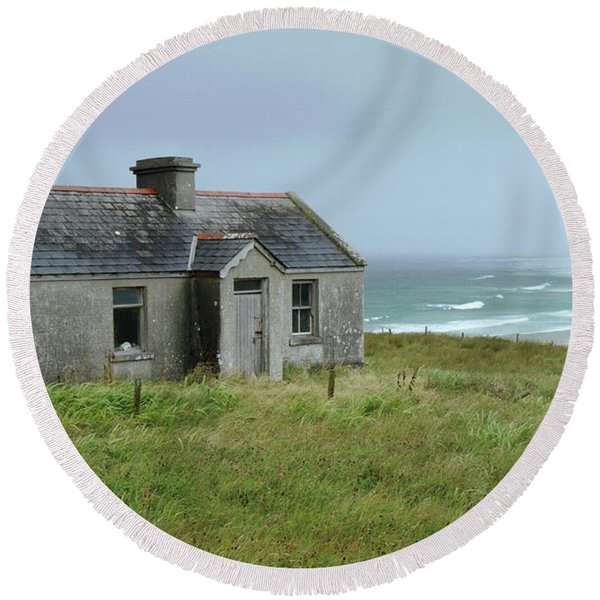 Seaside Cottage Belmullet Round Beach Towel
