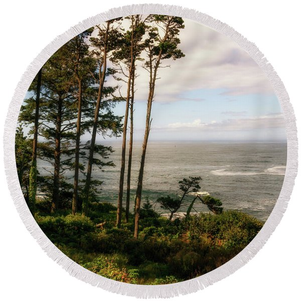 Round Beach Towel featuring the photograph Serenity At Depoe by Michael Hope