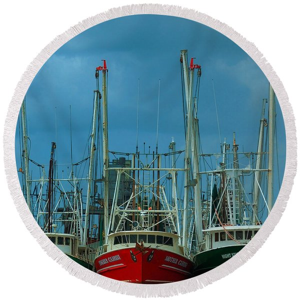 Shrimpers Round Beach Towel