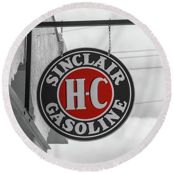 Sinclair Gasoline Round Sign In Selective Color Round Beach Towel