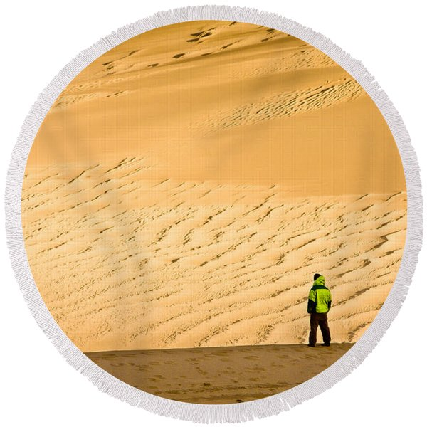 Solitude In The Dunes Round Beach Towel