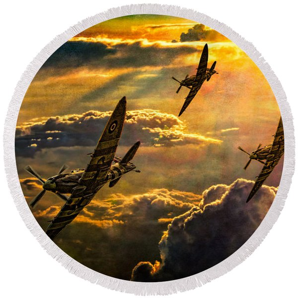 Spitfire Attack Round Beach Towel