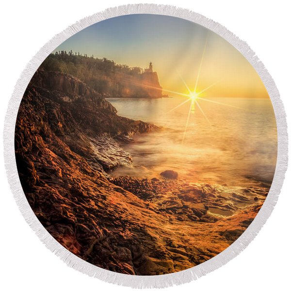 Split Rock Glory Round Beach Towel