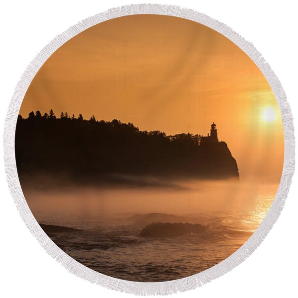 Split Rock's Morning Glow Round Beach Towel