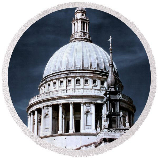 St. Paul's Cathedral's Dome, London Round Beach Towel