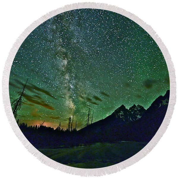 Starry Night Over The Tetons Round Beach Towel