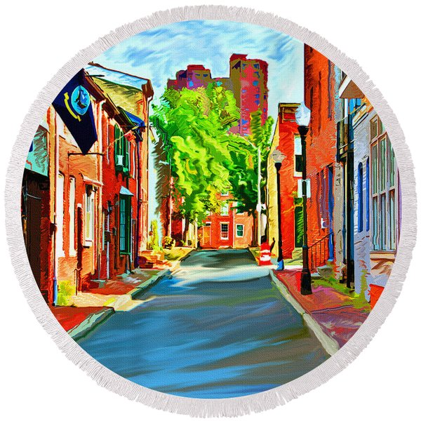 Streetscape In Federal Hill Round Beach Towel