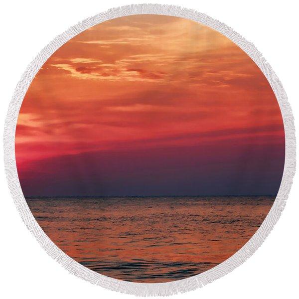 Sunrise Over The Horizon On Myrtle Beach Round Beach Towel