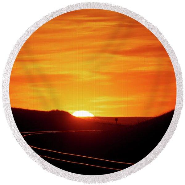 Sunset And Railroad Tracks Round Beach Towel