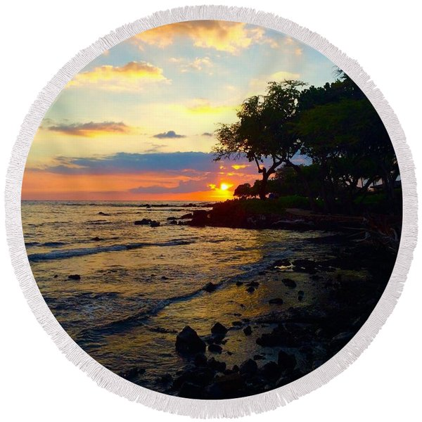 Sunset At A-bay Round Beach Towel