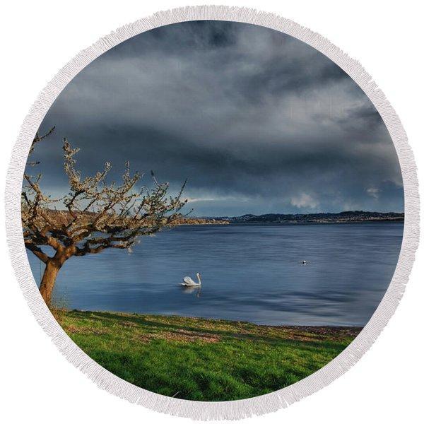 Swan And Tree Round Beach Towel
