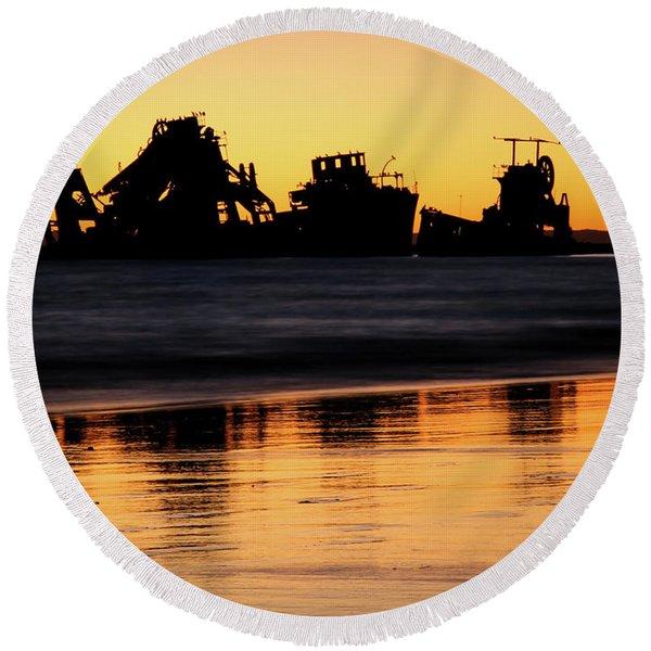 Tangalooma Wrecks Sunset Silhouette Round Beach Towel