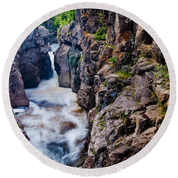 Temperance River Gorge Round Beach Towel