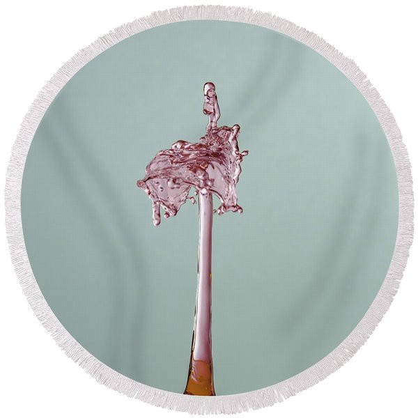 The Lady On The Water Drop Round Beach Towel