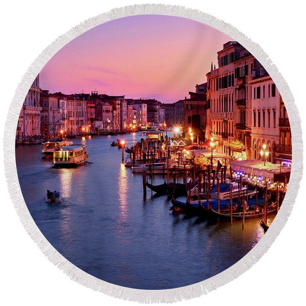 The Blue Hour From The Rialto Bridge In Venice, Italy Round Beach Towel