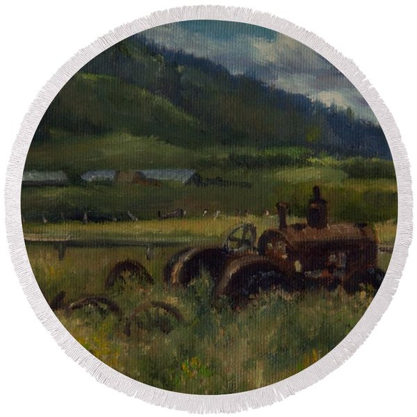 Tractor From Swan Valley Round Beach Towel
