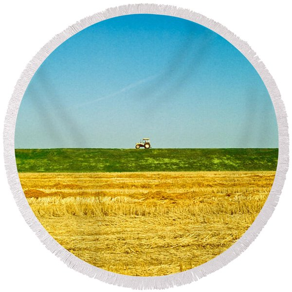 Tricolor With Tractor Round Beach Towel