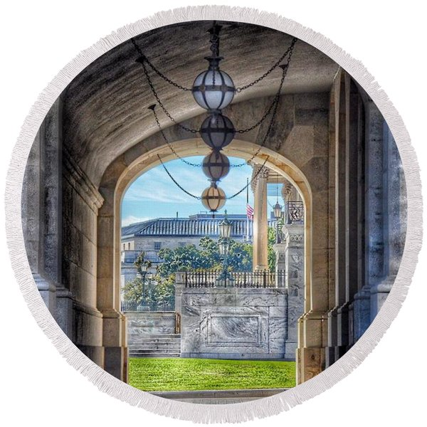 United States Capitol - Archway Round Beach Towel