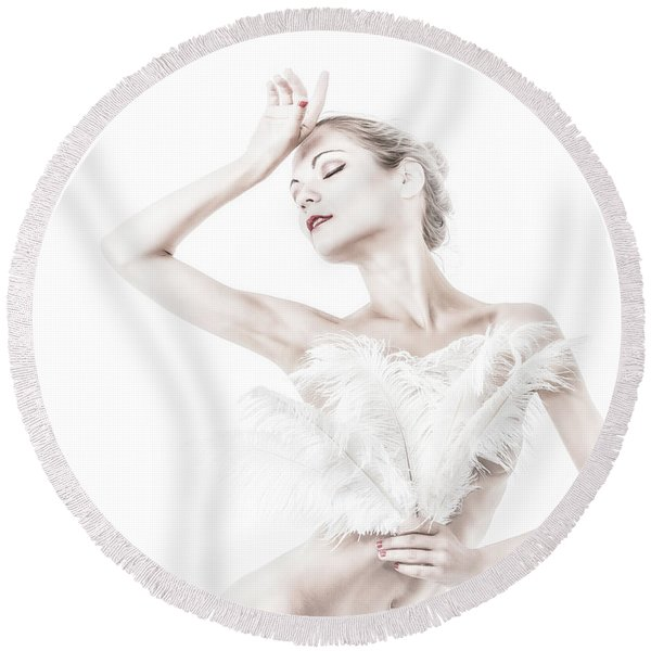 Viktory In White - Feathered Round Beach Towel