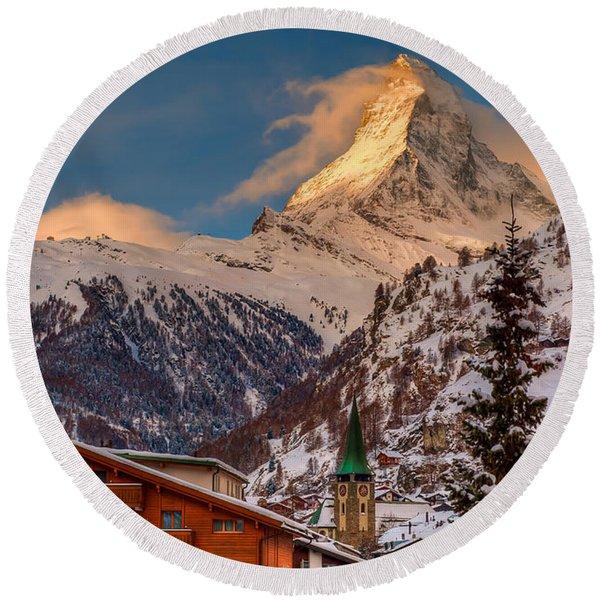 Village Of Zermatt With Matterhorn Round Beach Towel