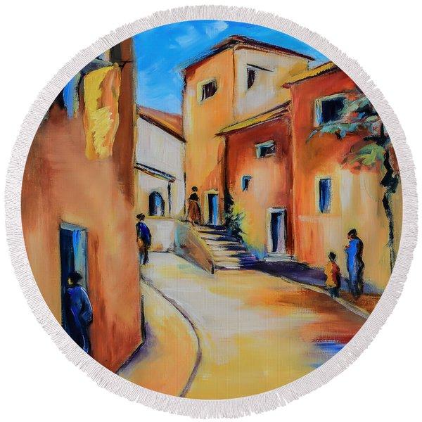 Village Street In Tuscany Round Beach Towel