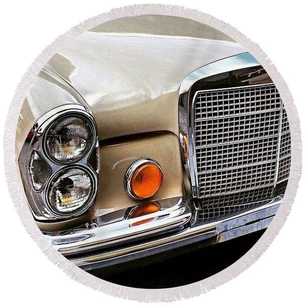 #vintage #car Corner Peek-a-boo Round Beach Towel