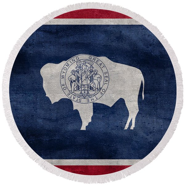 Vintage Wyoming Flag Round Beach Towel
